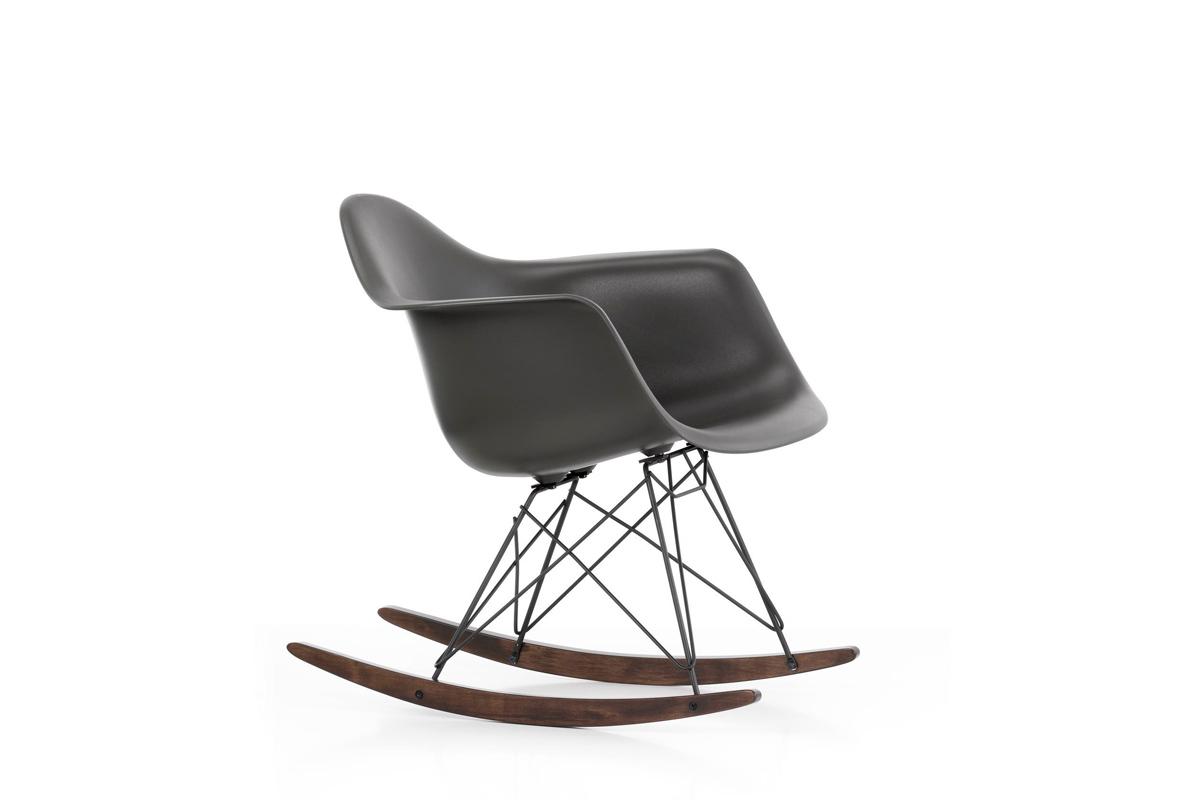 Vitra - Eames Plastic Armchair RAR designed by Charles & Ray Eames